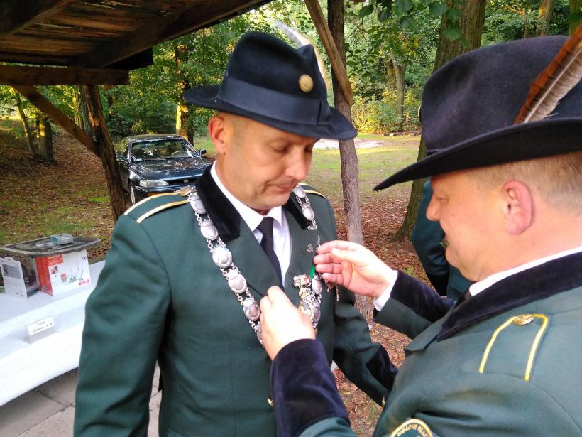 08-medal